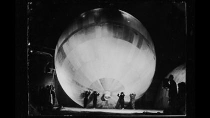 C-3「女学生と風船爆弾」